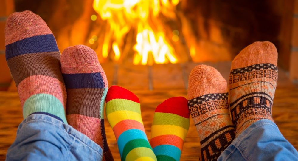 happy-family-cute-socks-fire