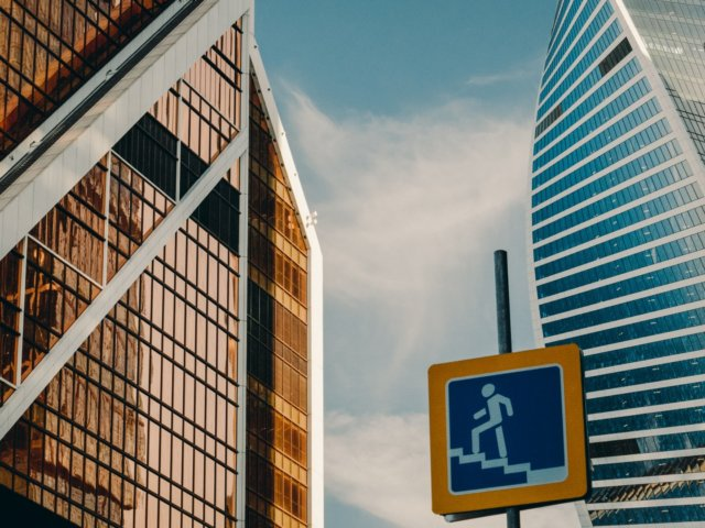 urban-travel-architecture-moscow-city-skyscraper-sky-clouds